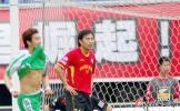 """图文-成都谢菲联VS北京国安 杜文辉""""重拳出击"""""""