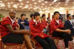 图文-亚泰与香港企业签约 球员非常期待