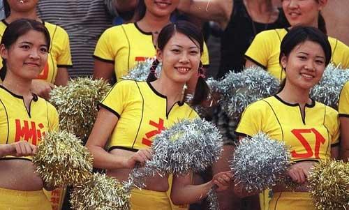 图文-中国足球宝贝的十年变迁还是有一些保守