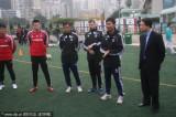 全队聆听教练指导