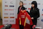 图文-长春亚泰队新赛季发布会 展示客场红色队服