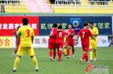 广州队员庆祝进球