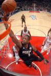 图文-[NBA]热火100-94快船韦德飞身上篮