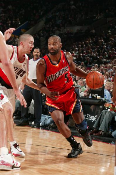 图文-[NBA]勇士95-105开拓者戴维斯欲突破防守