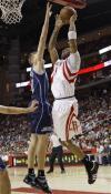 图文-[NBA季后赛]爵士vs火箭麦蒂单挑基里连科