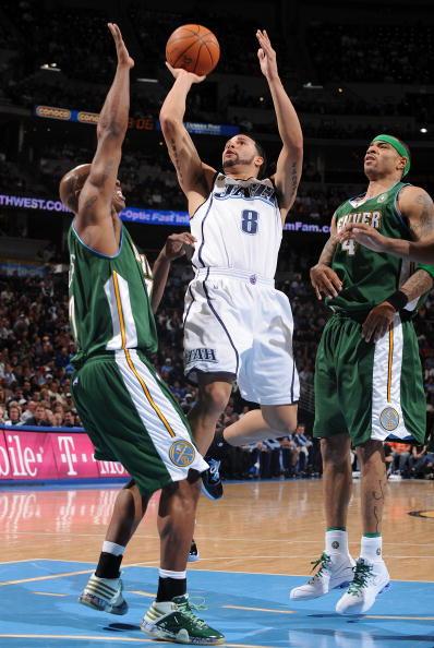 图文-[NBA常规赛]爵士vs掘金德隆险被比卢普斯盖帽