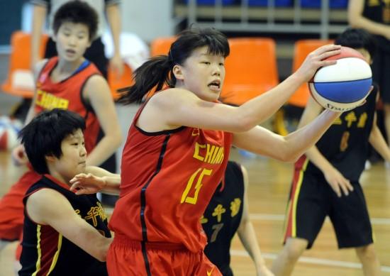 图文-中日韩青少年运动会女篮赛况于东优势明显