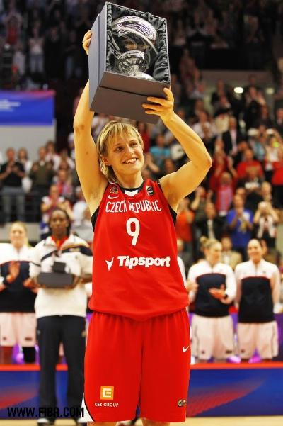 图文-女篮世锦赛美国胜捷克夺冠 荷莉柯娃获得MVP