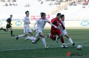 亚预赛-杜威半场两送点球大礼国足首战2-3叙利亚