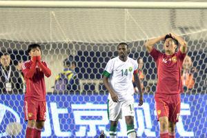 亚预赛-姜宁失绝佳单刀国足争议点球未判0-0沙特
