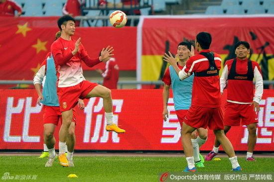 国足正在南京备战与突尼斯的热身赛