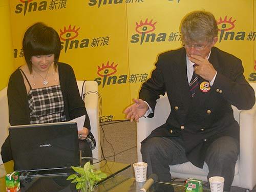 图文-米卢做客新浪畅聊中国足球什么问题难住了他