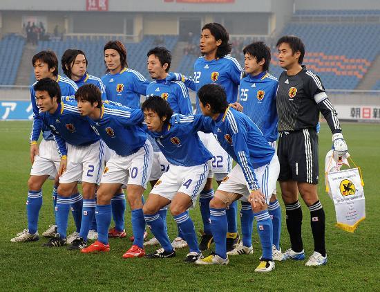 图文-东亚四强赛日本队1-1韩国队 日本男足首发