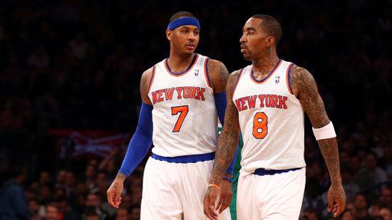 安东尼和JR扛着尼克斯前进
