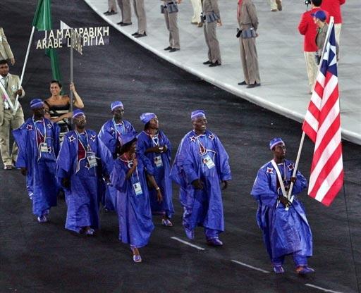 资料图-雅典奥运会开幕式 非洲利比里亚代表团入场