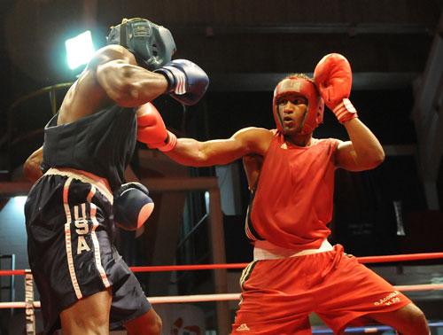 资料图片-美国拳击与动员莫利亚
