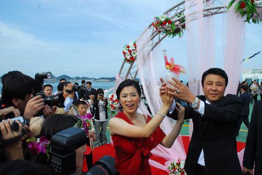王楠婚礼全回放:非常之浪漫 刘国梁是真正月老(图)