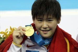 女子200米混合泳叶诗文超级逆转摘中国游泳首金