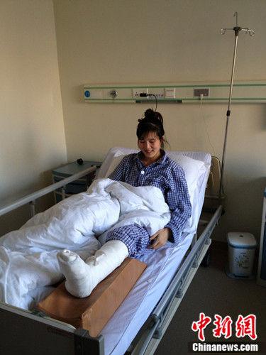 病床上的郭萍