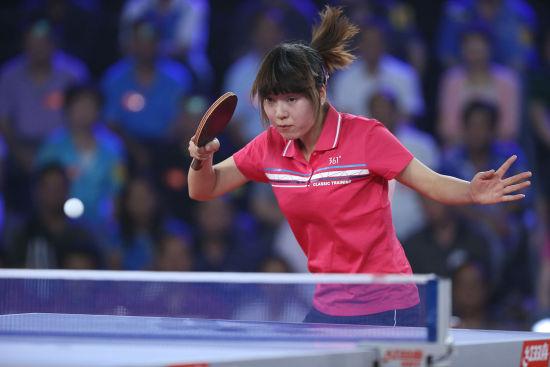漂亮的乒乓球美女
