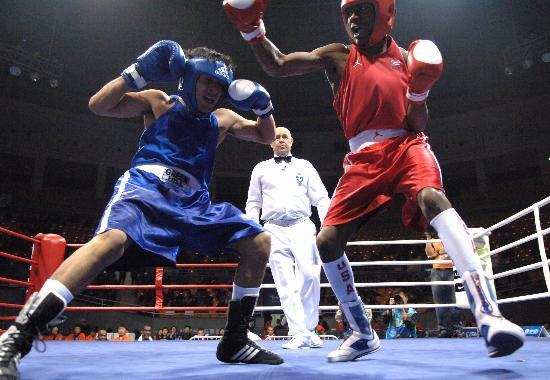 图文-国际拳击邀请赛威廉斯夺得男子57公斤级冠军