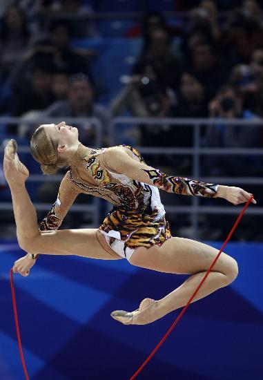 图文-好运北京艺术体操国际邀请赛俄美女小试牛刀