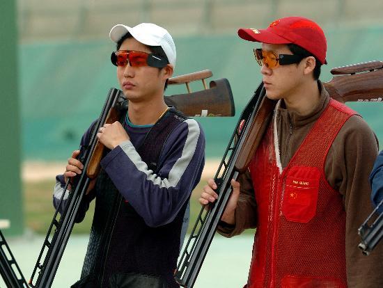 图文-亚锦赛飞碟双多向中国男团摘金众将扛枪上战场