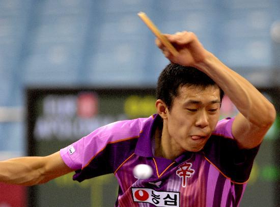 图文-国际乒联男团半决韩国胜欧洲联 李廷佑扣杀