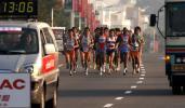 图文-2008厦门国际马拉松战报男子组竞争激烈