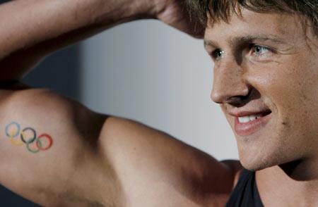 图文-菲尔普斯领群英体验新泳衣 罗切特强壮肌肉