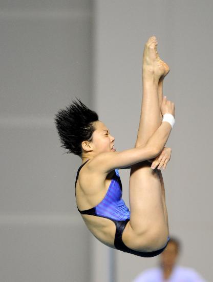 图文-跳水赛王涵女子全能夺冠王涵优雅空中姿态