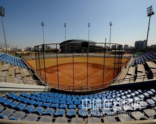 图文-奥运场馆巡礼之丰台垒球场 纳米技术完美应用