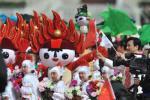 图文-迎接圣火仪式在天安门举行 可爱儿童文艺表演
