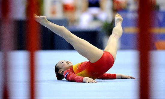 图文-体操世界杯德国站中国3金肖莎决战自由操