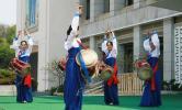 图文-平壤准备迎接奥运圣火 城市庆典排练紧锣密鼓