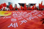 图文-北京奥运圣火在首尔传递 写满对奥运的祝福