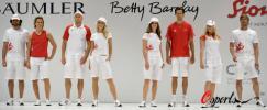 图文-德国代表团发布北京奥运会制服运动场上见