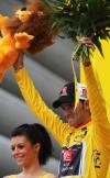 图文-2008年环法第二赛段赛况巴尔维尔德保住黄衫