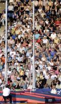 图文-2008伦敦田径超级大奖赛 伊辛巴耶娃居高临下