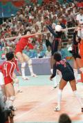 图文-中国15枚奥运项目首金回顾 中国女排夺冠