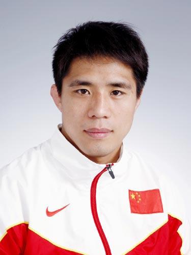 图文-北京奥运中国代表团成立 摔跤队队员李岩岩