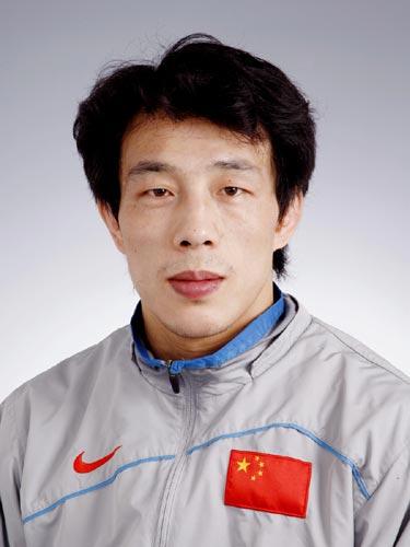 图文-北京奥运中国代表团成立 摔跤队队员焦华峰