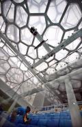 图文-国家游泳中心水立方静候宾朋 水立方的天花板