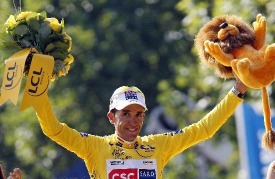 图文-萨斯特雷获环法自行车赛总冠军获得冠军喜悦