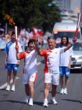 图文:(奥运火炬)(70)奥运圣火继续在天津传递