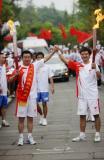 图文-奥运圣火四川广安传递 团结一心共祝奥运