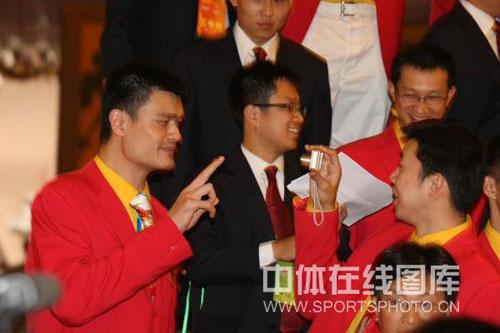 图文-中国体育代表团召开总结大会 来给哥笑一个