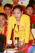 图文-中国奥运金牌运动员记者会 程菲起身发言