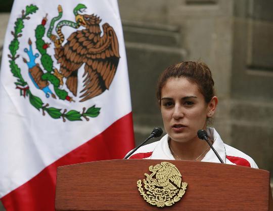 图文-墨西哥总统接见奥运获奖运动员 保拉代表发言