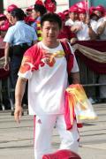 奥运金牌代表团在香港参加升旗礼